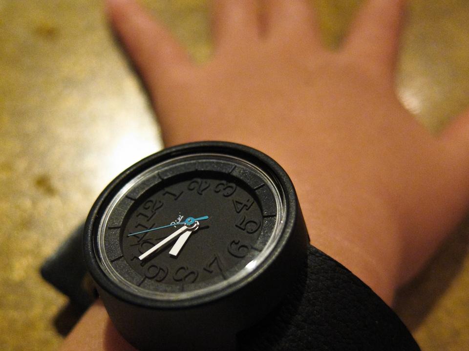 Riki Watanabe こども腕時計